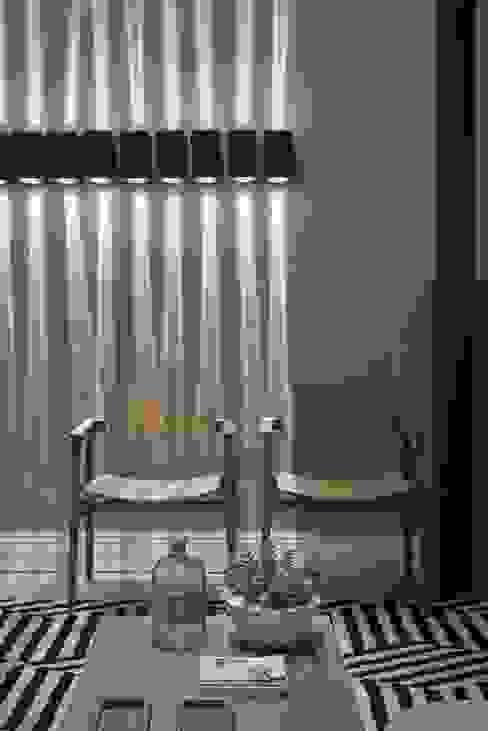 Carmen Calixto Arquitetura Soggiorno moderno Cemento Grigio