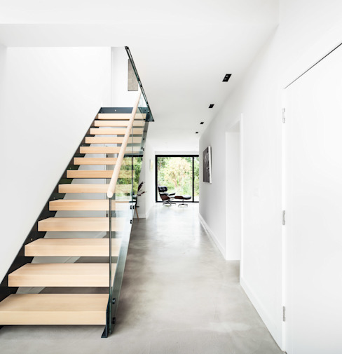Corridor & hallway by Concept Eight Architects