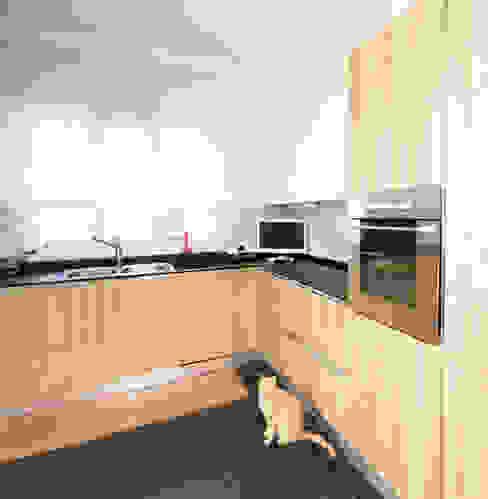مطبخ تنفيذ Fabiola Ferrarello architetto,