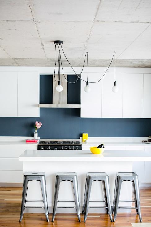 Mr and Mrs Super Chilled Scandinavian style kitchen by homify Scandinavian