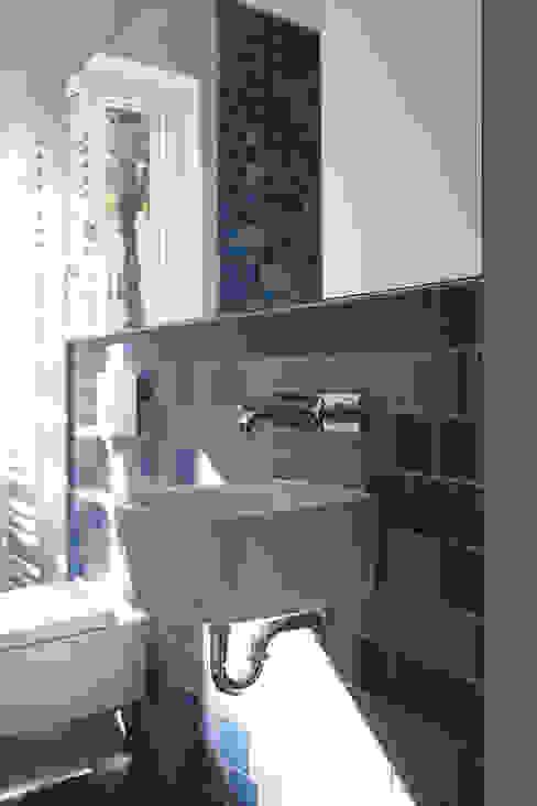 guest bathroom Modern Bathroom by brandt+simon architekten Modern Tiles