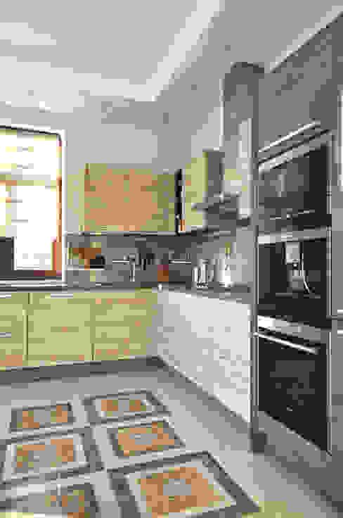 Cinnamon - солнечный минимализм Irina Derbeneva Кухня в стиле минимализм