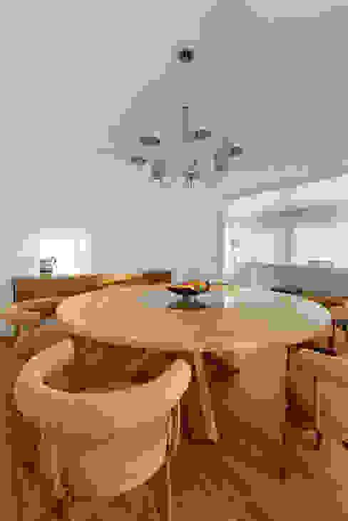 من Stoc Casa Interiores حداثي خشب Wood effect