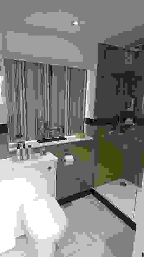 حمام تنفيذ Kerry Holden Interiors, حداثي
