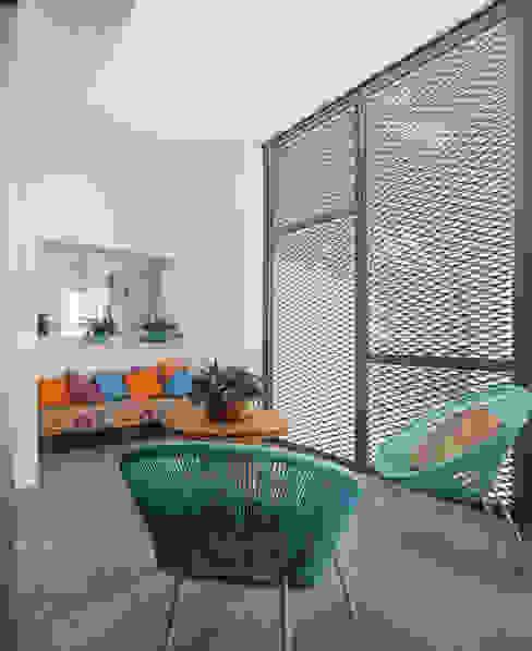 Minimalist house by FAQ arquitectura Minimalist
