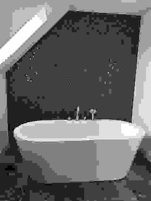 Plot 2 Durward Gardens, Kincardine O'neil, Aberdeenshire Modern bathroom by Roundhouse Architecture Ltd Modern