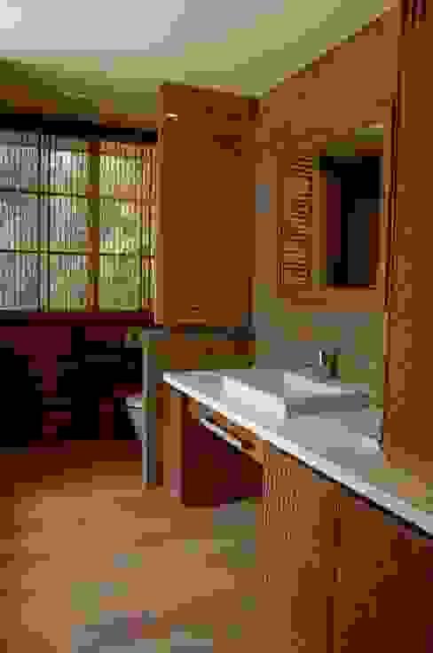 von 環アソシエイツ・高岸設計室 Asiatisch Bambus Grün
