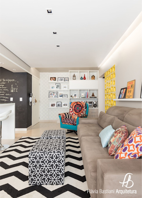 Eclectic style living room by Flávia Bastiani Arquitetura Eclectic