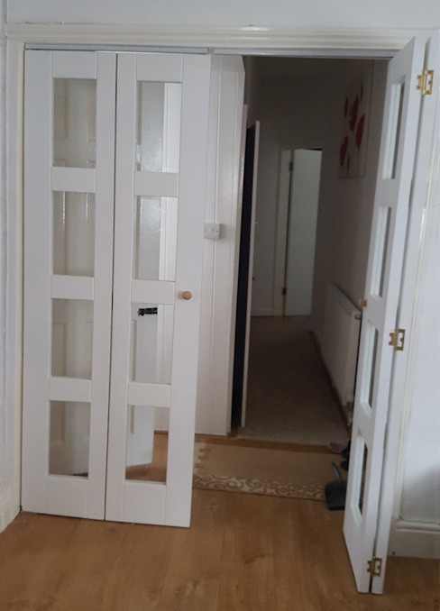 Bi-folding doors Wonkee Donkee XL Joinery Puertas y ventanasPuertas Blanco