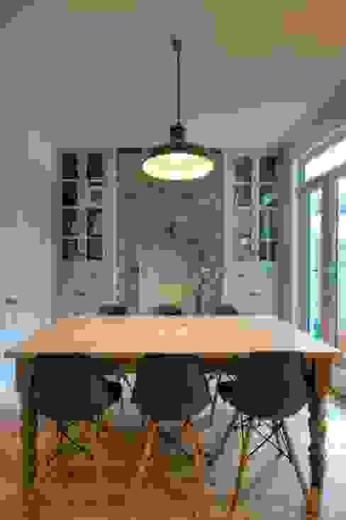 Dining room by ADG Bespoke, Minimalist