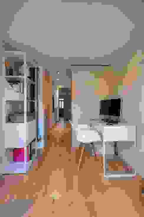 Study/office by ADG Bespoke, Minimalist