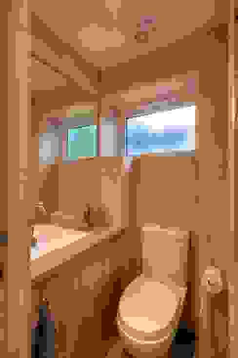 Bathroom by ADG Bespoke, Minimalist