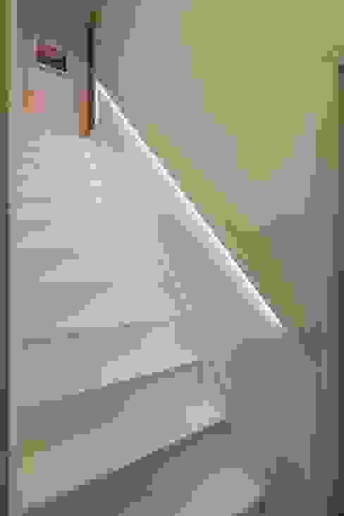 Limetree, Plymouth Minimalistische gangen, hallen & trappenhuizen van ADG Bespoke Minimalistisch