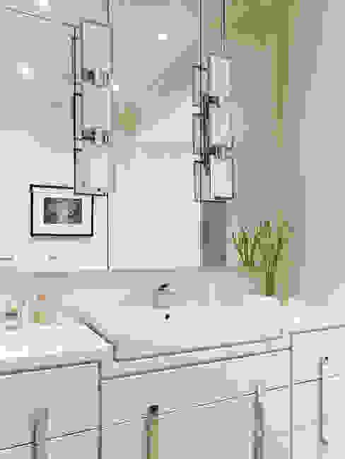 Bathroom Vanity:  Bathroom by Douglas Design Studio