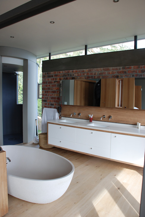 New Private Home in Llandudno Modern bathroom by Gallagher Lourens Architects Modern