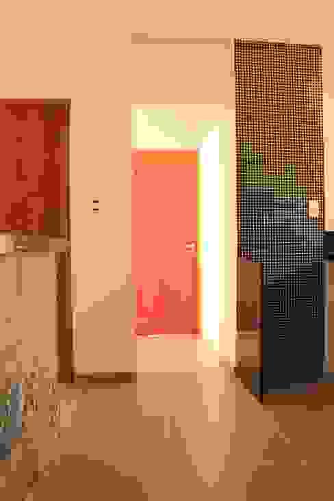Modern kitchen by Jrmunch Arquitetura Modern