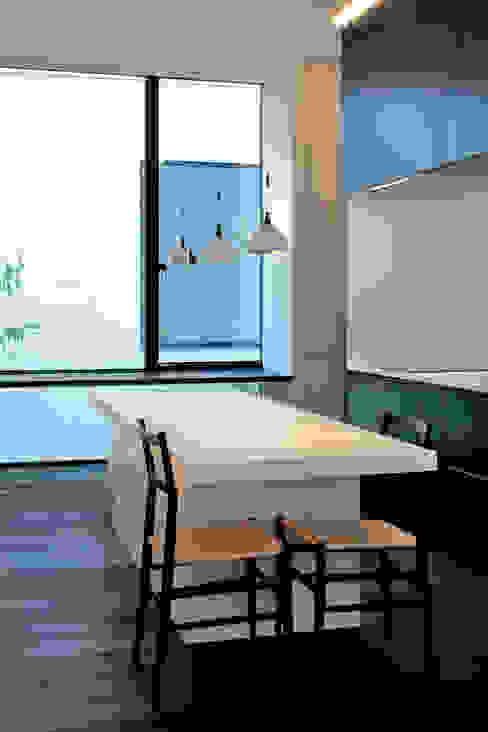 浜田山の家 ミニマルデザインの キッチン の 遠藤誠建築設計事務所(MAKOTO ENDO ARCHITECTS) ミニマル
