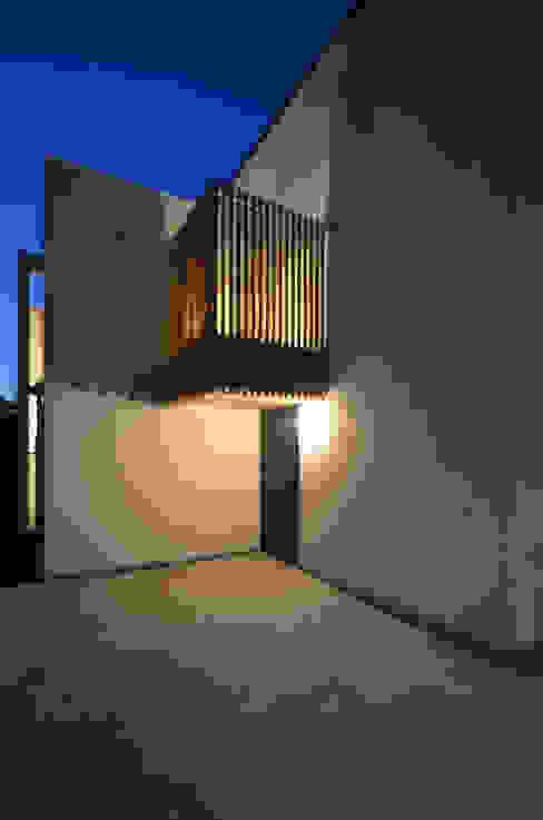 保谷O邸 モダンスタイルの 玄関&廊下&階段 の 遠藤誠建築設計事務所(MAKOTO ENDO ARCHITECTS) モダン