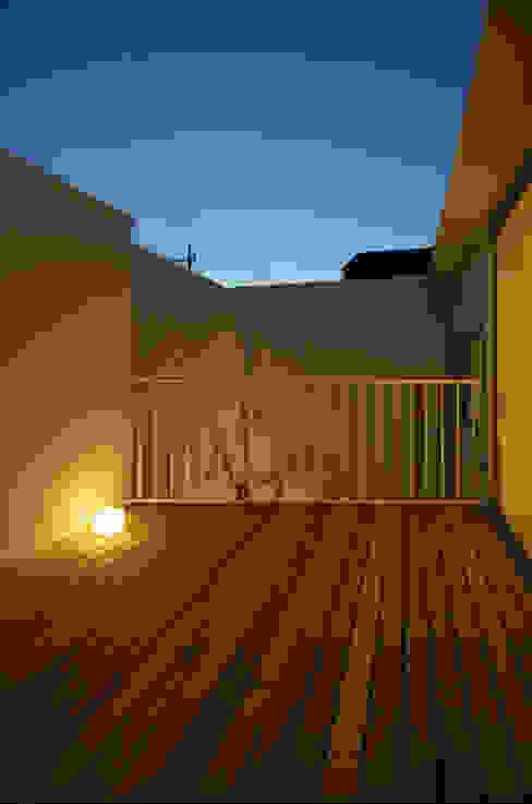 保谷O邸 モダンデザインの テラス の 遠藤誠建築設計事務所(MAKOTO ENDO ARCHITECTS) モダン
