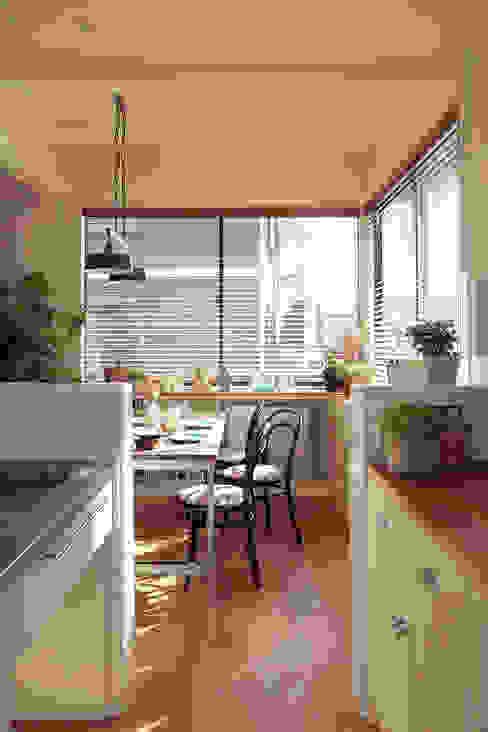 FUN! HOUSE! 北欧デザインの キッチン の こぢこぢ一級建築士事務所 北欧