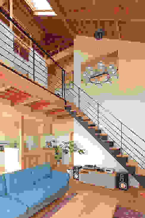 FUN! HOUSE! こぢこぢ一級建築士事務所 北欧スタイルの 玄関&廊下&階段