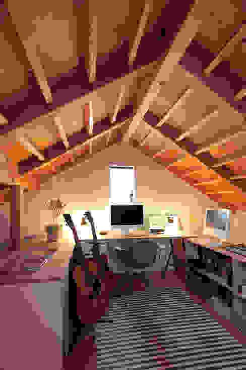 FUN! HOUSE! こぢこぢ一級建築士事務所 北欧デザインの 書斎