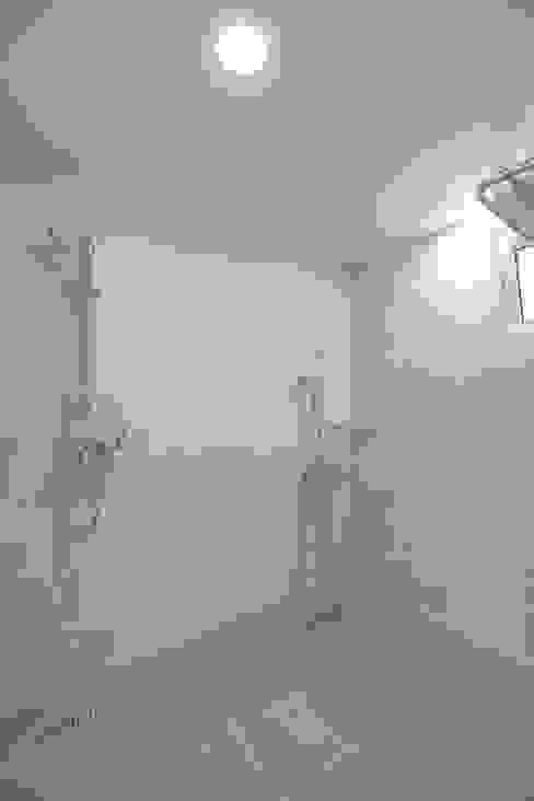 Modern bathroom by (주)그린홈예진 Modern