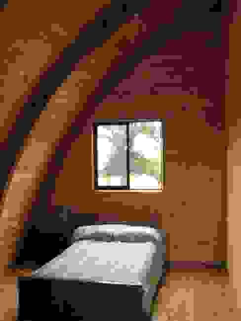 : Dormitorios de estilo  por Estudio Terra Arquitectura & Patrimonio