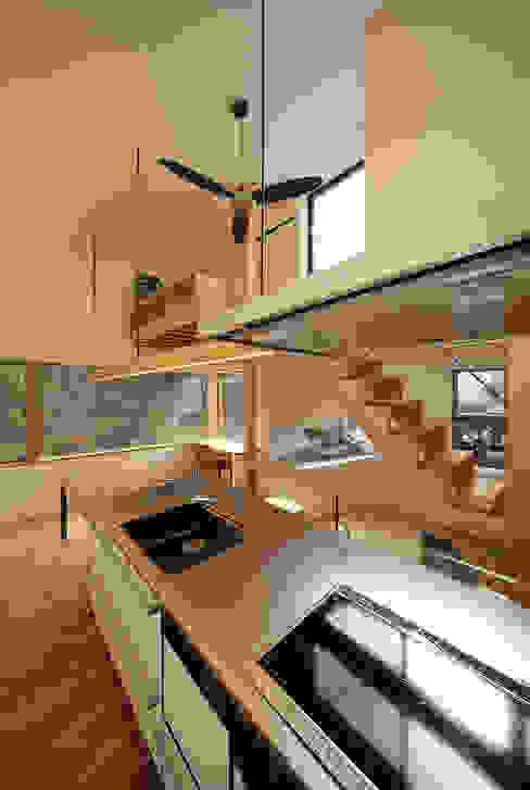 haus-gap 北欧デザインの キッチン の 一級建築士事務所haus 北欧 木 木目調