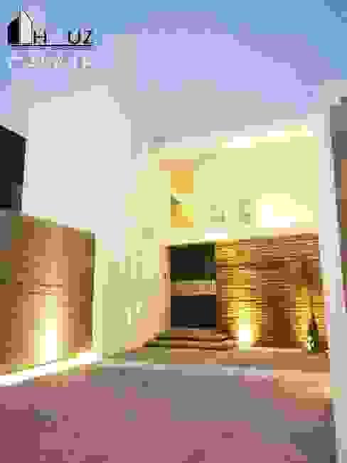 現代房屋設計點子、靈感 & 圖片 根據 HAUZ-ARQ 現代風