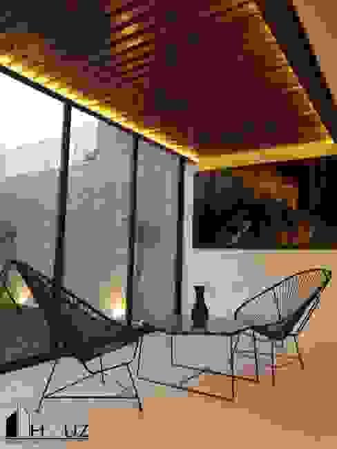 Balcones y terrazas modernos de HAUZ-ARQ Moderno