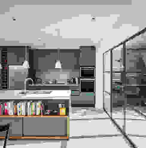 Slot House, London W12 AU Architects Кухня
