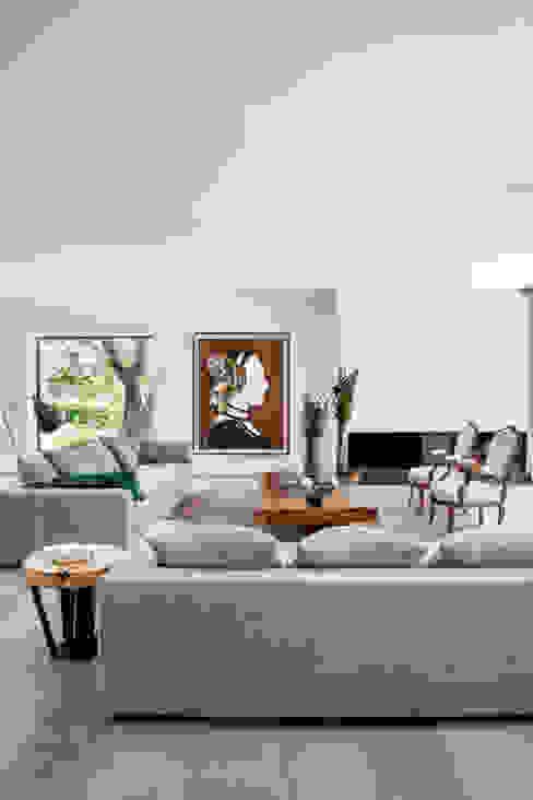 Гостиная в стиле модерн от ÁBATON Arquitectura Модерн