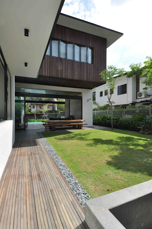 Houses by ming architects, Tropical