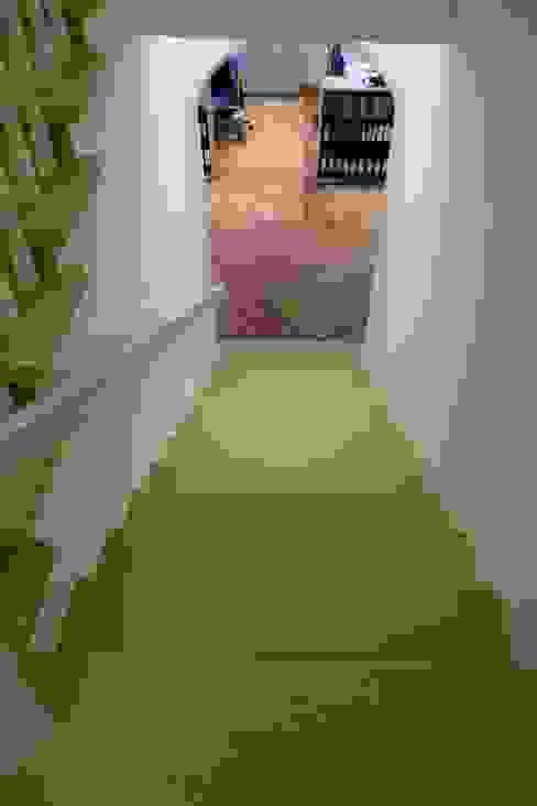 Treppensanierung Parkett Kessel Meisterfachbetrieb Klassische Geschäftsräume & Stores Gummi Grün