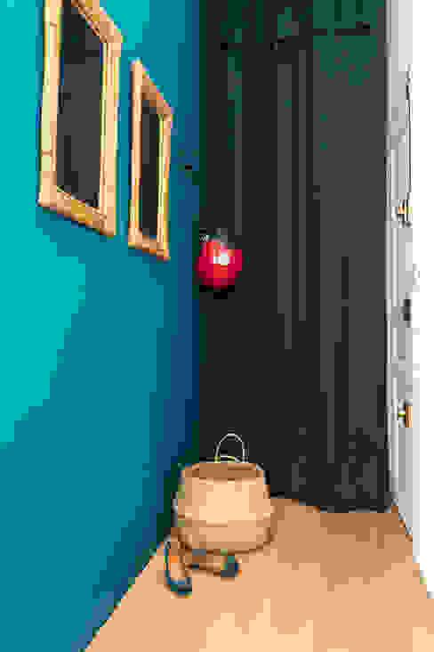 Blue Velvet Insides Couloir, entrée, escaliers originaux Bleu