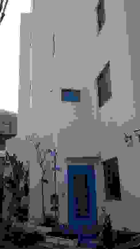 Houses by 勝暉建築工程行,
