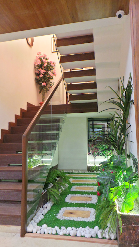 Bungalow Modern corridor, hallway & stairs by Shadab Anwari & Associates. Modern
