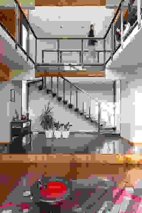 Pasillos, vestíbulos y escaleras modernos de GITC Moderno