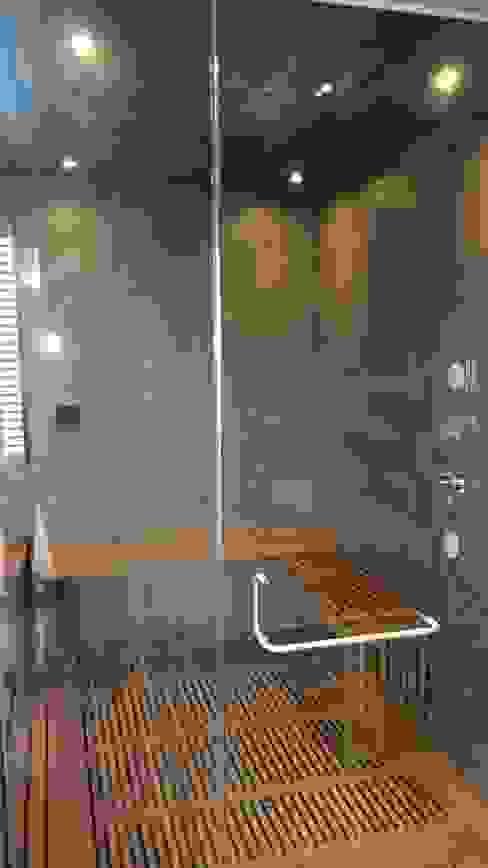 Cabina de Vapor y ducha. Baños de estilo moderno de ebanisART Espacio y Concepto Moderno