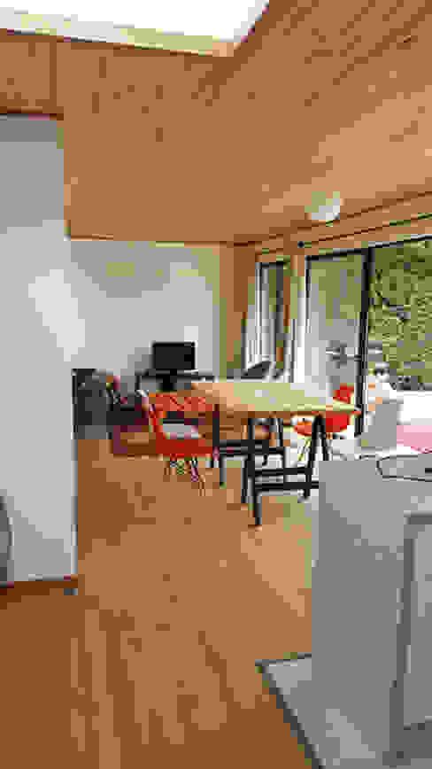 Casa Mirasol - Algarrobo: Comedores de estilo  por Lares Arquitectura