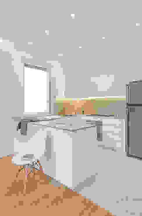 現代廚房設計點子、靈感&圖片 根據 salvatore cannito architetto 現代風