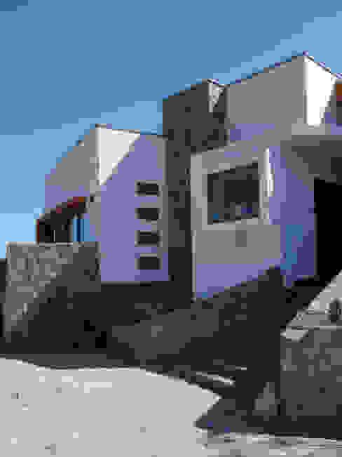 Mediterranean style houses by Territorio Arquitectura y Construccion - La Serena Mediterranean Concrete
