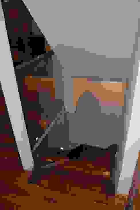 BARANDILLA DE VIDRIO Tu Arquitecto Reforma Pasillos, vestíbulos y escaleras de estilo ecléctico Vidrio Transparente