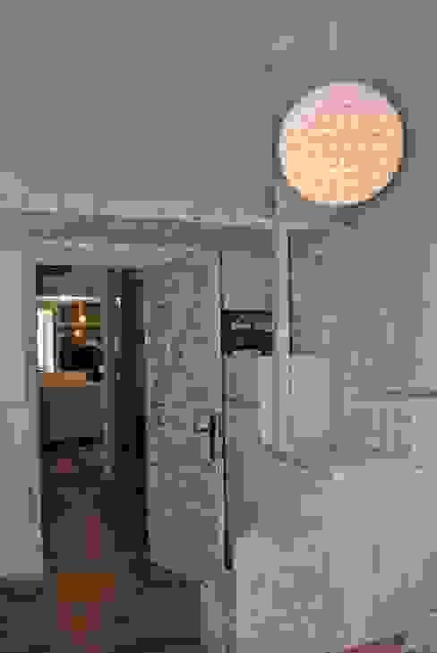 ALTILLO -- CAMA PARA NIÑOS Tu Arquitecto Reforma Dormitorios infantiles de estilo ecléctico Madera maciza Acabado en madera
