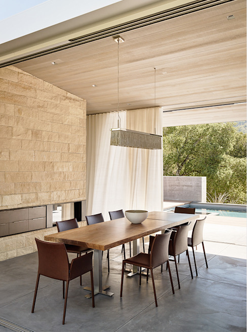Dining room by Feldman Architecture,