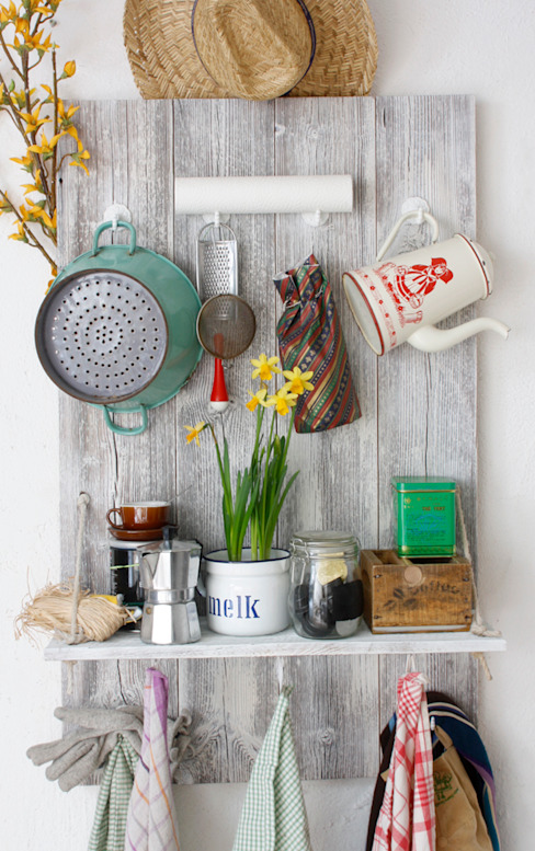 upcycling & objets trouves christian hacker fotodesign KitchenStorage Wood White