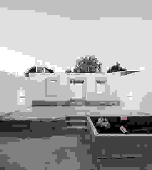 Jardines de estilo minimalista de Colectivo Cais Minimalista