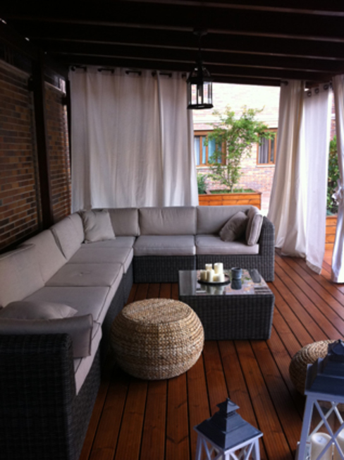 Porche de madera Jardines de estilo moderno de La Patioteca Moderno Madera Acabado en madera