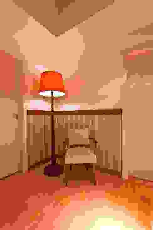 Corredor Corredores, halls e escadas rústicos por Katalin Stammer Arquitetura e Design Rústico
